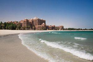 kiauh_emirates-palace-beach-daytime-1